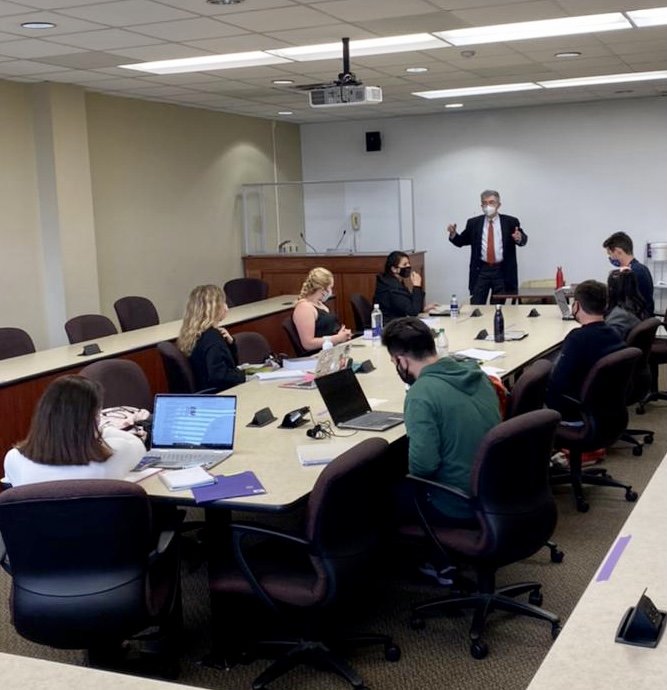 Prof. Olivier Moreteau teaching the Introduction to United States Law to the LL.M. class.